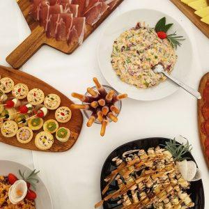 catering usluge taverna kraljevec sesvete zagreb dekoracije canape sendvici umaci, salate, pršut daksa