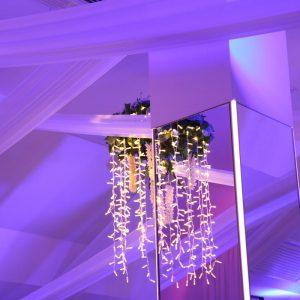luster u svadbenoj sali Dvorana na katu restorana Taverna Kraljevec