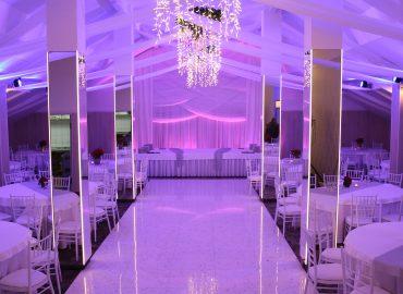 sala za svadbe Dvorana na katu plavo svjetlo u restoranu Taverna Kraljevec